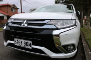 Mitsubishi MY16 Outlander PHEV - Image by eCarInsight