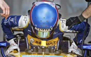 Renault-ePrix-dismount-car. Image care of Renault Motor Sports